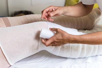 Bandage compressif lymphatique personnes âgées
