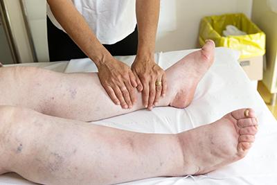 Bandage compressif personnes âgées